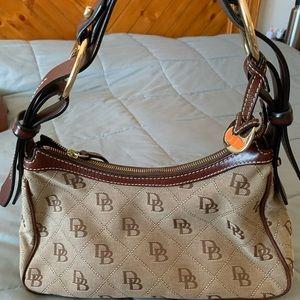 Signature Dooney & Bourke purse